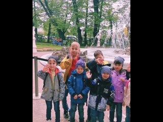 Сегодня с ребятами совершили пешую прогулку по Санкт-Петербургу). Дети увидели величественные своды Исаакиевского собора, впечат