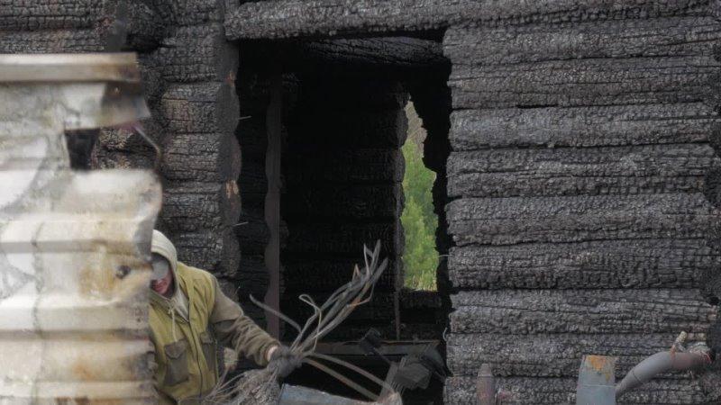Не знаю как дальше будем жить Надо разобрать пепелище и строить заново Рассказываем о пожаре в селе Филькино