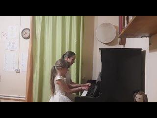 Семья Мартыновых - Норвежский танец (Э.Григ)