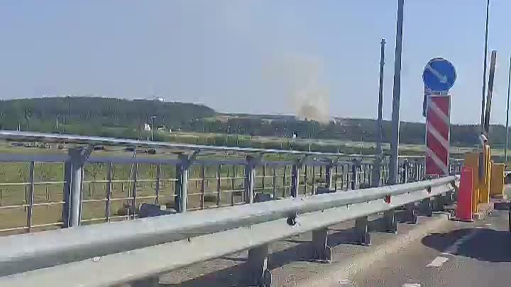 Между Волхонским шоссе и аэропортом Пулково горит что то.