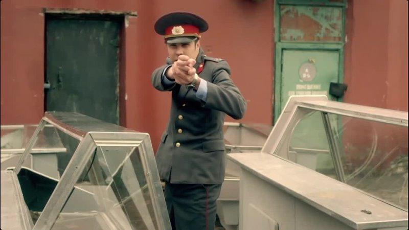 полицейский под прикрытием в штабе навального не хочет чтобы его опознали и чтобы его приняли за своего он говорит