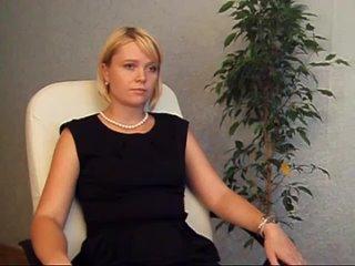Стерва на приёме у юриста. Хочет всё отобрать у бывшего мужа