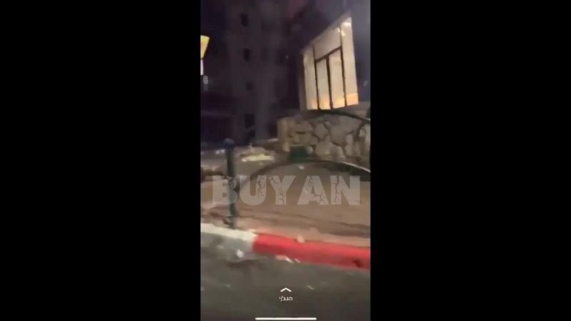 Affrontements armés entre les forces israéliennes et les Palestiniens qui descendent dans la rue