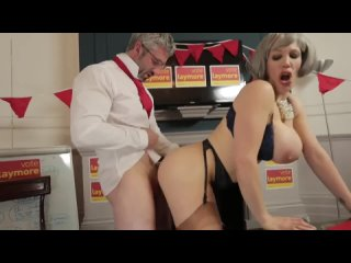 Зрелая мама знает как побеждать на выборах [Sex Milf POV Big Tits boobs Ass Porn Gonzo Hardcore anal порно анал милф