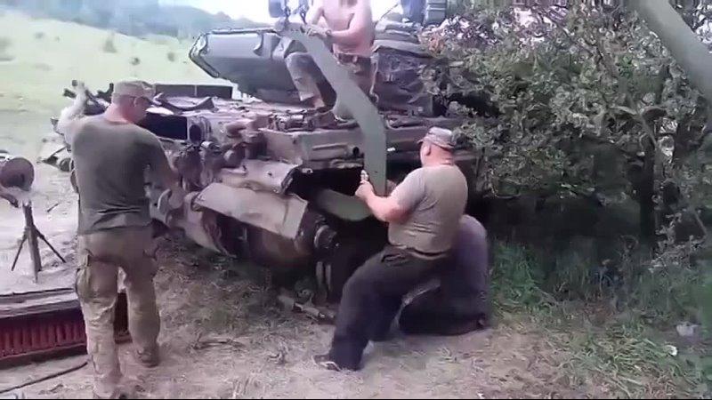 Снятие коробки передач с танка Т 64