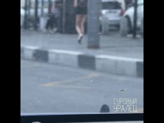 Девушки в откровенных нарядах в Екатеринбурге