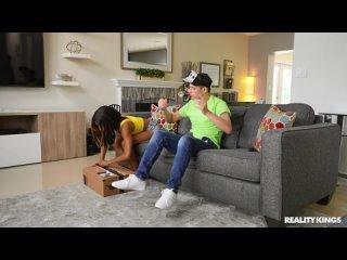 Alicia Williams - VR Sneak and Swap [All Sex, Hardcore, Blowjob, Teens]