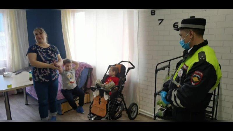 В Сургуте инспекторы ДПС довезли задыхающегося ребёнка до реанимации
