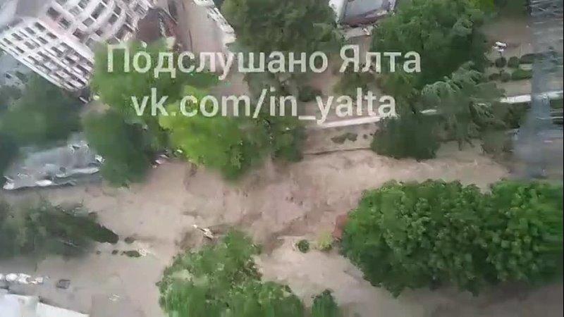 Река Водопадная вышла из берегов в р не Пушкинской Боткинской