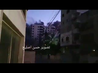 Тем временем Израиль начал бомбардировку