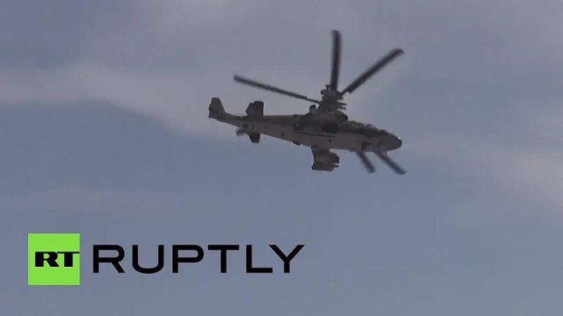Вертолет Ка-52 атакует позиции боевиков ИГ в Сирии