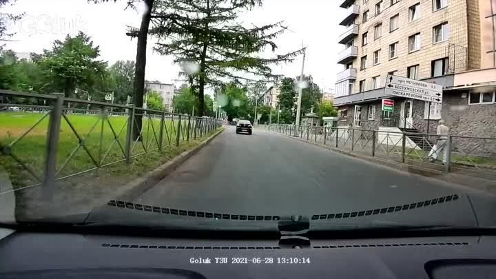 Сегодняшняя авария на Замшиной в час дня.
