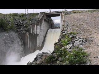 Vтериберская гэс сброс воды 40 см.mp4