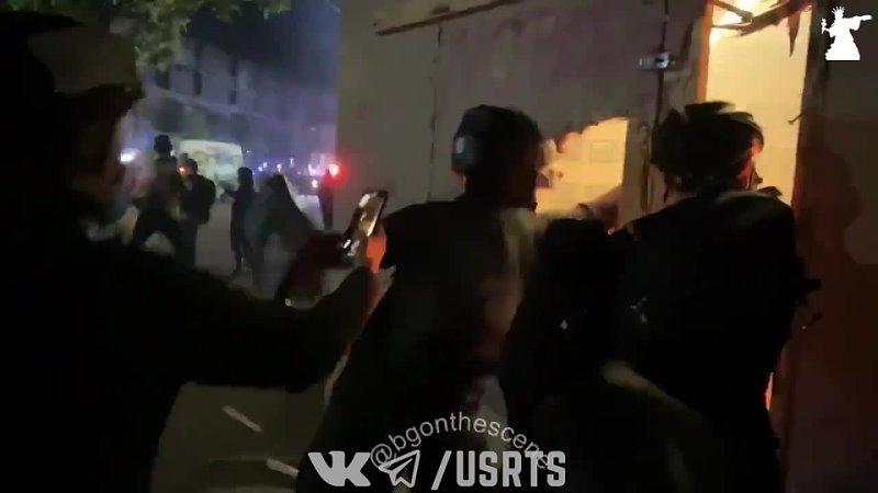 Антифа подожгли здание Portland Police Association Протесты в США 08 08 2020