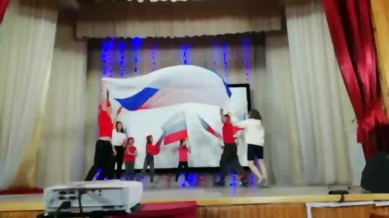 Битва хоров среди отрядов детской площадки