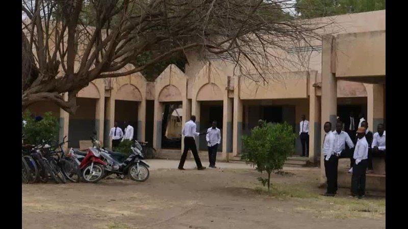 Военные в Чаде заявили о победе над повстанцами с ними в бою погиб президент
