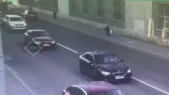 Перед перекрёстком Б. Сампсониевского пр и Нейшлотского пер. В 18-30 Мотоциклист задел Шкоду или нао...