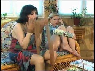 Ferro Network Maturesandpantyhose com g Laura I Ira
