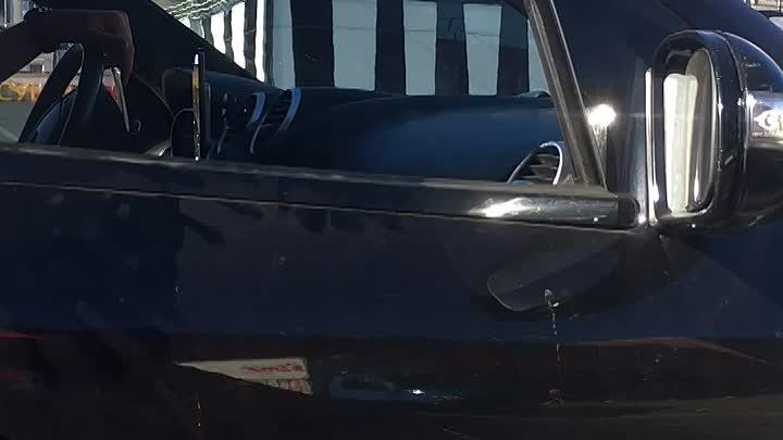Сегодня примерно в 17:45 на пр-кт Косыгина, перестраивавшийся Mercedes из средней полосы в крайнюю п...