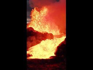 Извержение вулкана Фаградальсфьядль (Исландия, май 2021).