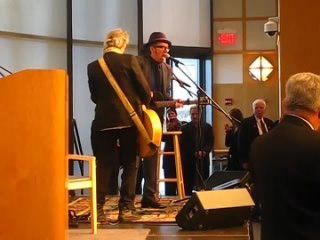 - Keith Richards and Elvis Costello play to honor Chuck Berry 22612_480p