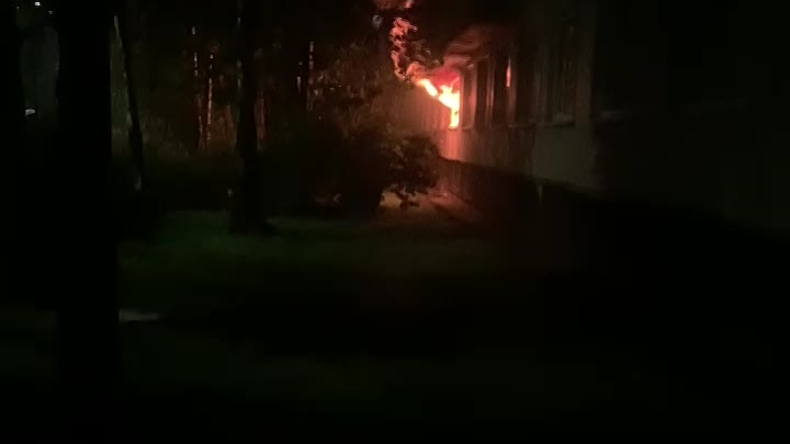 Ночью сгорела квартира на Товарищеском проспекте дом 1 корпус 1, 1 этаж