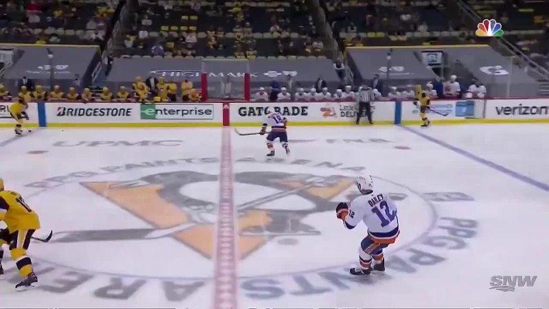 Сидни Кросби пробивает Илью Сорокина и догоняет Александра Овечкина по голам за карьеру в плей офф НХЛ Теперь в активе двух кап