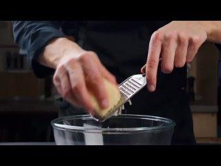 Сырный рулет с фаршем!Ингредиенты:Сыр 100 гЯйца 3 штМайонез 150 Фарш 300 гЛук 70 г  (1 шт.)Паприка копчёная 1/2 ч.лТимь