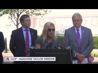 """Marjorie Taylor Greene lleva a los tribunales a la """"reina de la casa de los hipócritas"""" y """"abus..."""