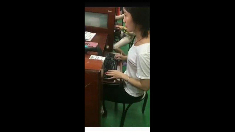 Скорость набора работницы корейской почты 389 слов в минуту