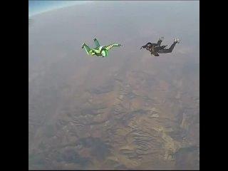 Прыжок с самолёта без парашюта 😱