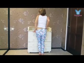 Девушка сосет член своему брату (Порно Sex трах Fuck Домашнее porno Любительское teen XXX young домашка)