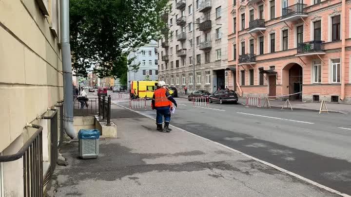 На 5-той Советской (между Дегтярной и Мытнинской) (по состоянию на 09:10) Парения не видно. Но громк...