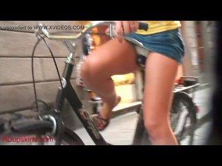 Upskirt - Bicicleta [sexy candid girls]