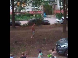 ДТП и ЧП Москва - Бокс во дворе