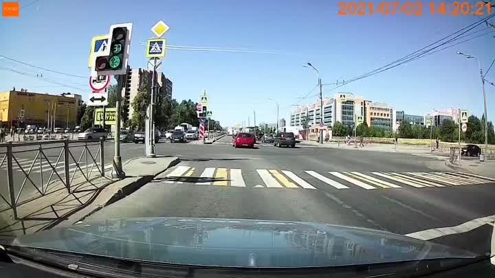 Не ДТП, а нарушения скоростного режима и проезды на красный цвет светофора Малоохтинский пр. целая ...