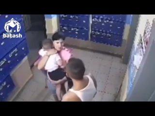 В Уфе неадекват целый день избивал детей в своём подъезде