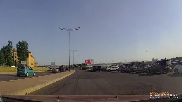 Видео дтп на Малоохтинском пр. примерно в 17:50.