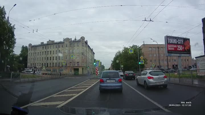 Видео утренней аварии Матиза на Кондратьевском 32.