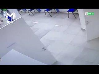 Полиция Сочи задержала мужчину, который пытался ограбить банк