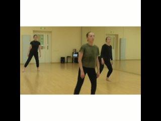 Видео от Современный танец I теория и практика