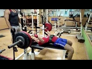 Думикян Эдмонд жим в майке 131 кг .mp4