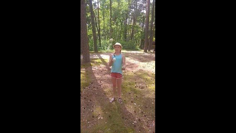 Видео от CIRCULUM Студия жонглирования и хулахупинга