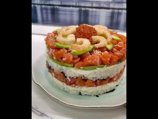 Суши-торт (ингредиенты в описании видео)