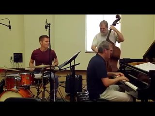 Lynn Seaton Trio - 'Strike Up the Band'-Мой фильм (360p)