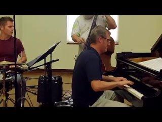 Lynn Seaton Trio 'Strike Up the Band' (360p)