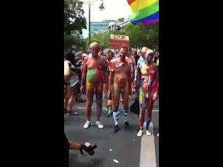 Видео от Анти-Феминизм и -ЛГБТ и -BLM