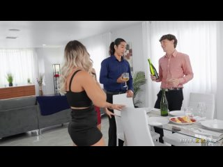 Cali Carter, Vina Sky - Wet And Wild Dinner Party