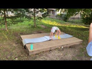 Видео от Праздники улицы  Первомайской и Ленинградской