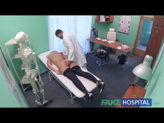 Доктор выебал сисястую русскую блондинку / Doctor fucked busty Russian blonde
